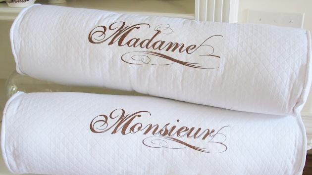 Madame pillows 001